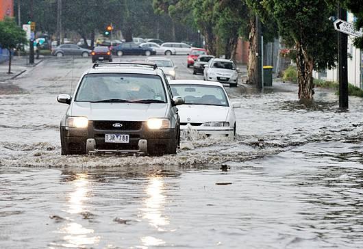 เทคนิคการขับช่วงน้ำท่วม และการดูแลรักษารถหลังผ่านน้ำท่วม 14 -