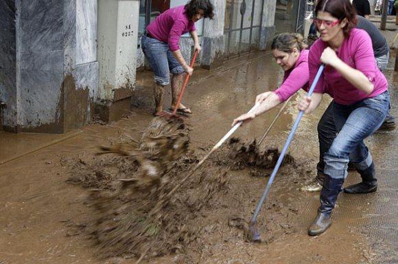 การทำความสะอาดหลังน้ำลดด้วยตัวเอง Clean House After Flooding  20 -