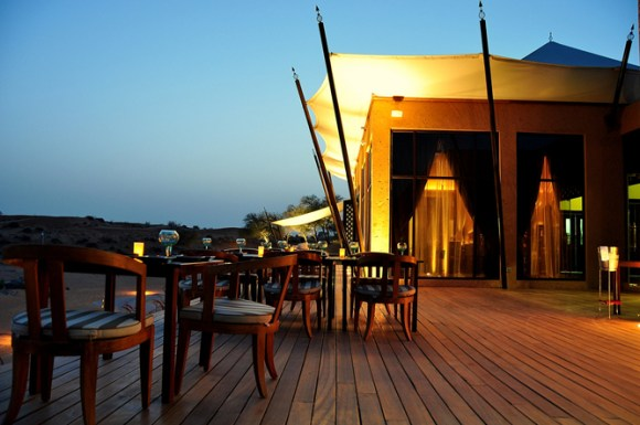 Banyan Tree Al Wadi Saffron signature restaurant a21202122 580x385 Banyan Tree AL Wadi รีสอร์ท ณ ดูไบ