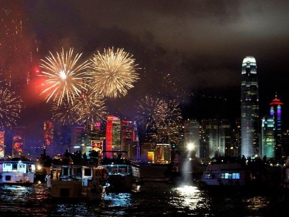 25550101 190907 2012 Countdown..ดอกไม้ไฟเหนือน่านฟ้าเมืองต่างๆ สวยงามแค่ไหน