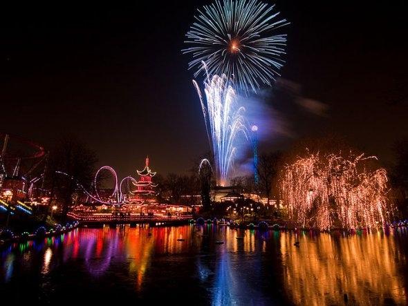 25550101 191038 2012 Countdown..ดอกไม้ไฟเหนือน่านฟ้าเมืองต่างๆ สวยงามแค่ไหน