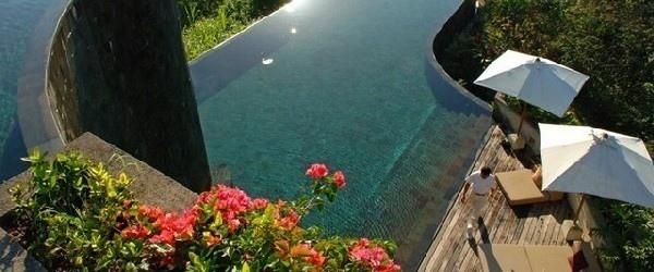 25550112 092428 สระว่ายน้ำที่สวยที่สุด..แอ่งน้ำบนหน้าผากลางหุบเขา