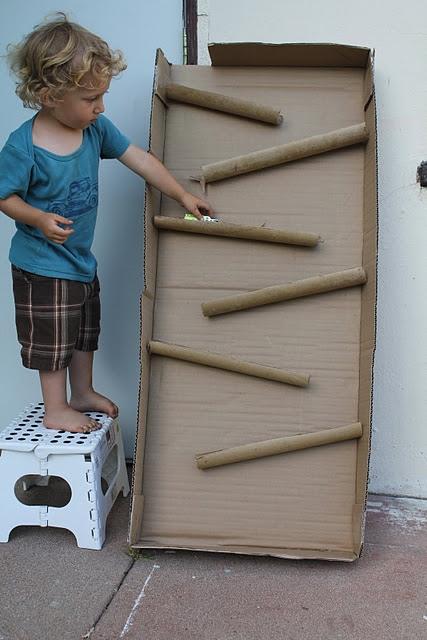 25550114 090550 D.I.Y. ของเล่นเด็ก เสริมทักษะ และพัฒนาการ จากกล่องและแกนกระดาษเก่า