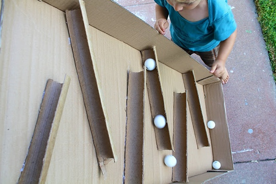 25550114 090602 D.I.Y. ของเล่นเด็ก เสริมทักษะ และพัฒนาการ จากกล่องและแกนกระดาษเก่า