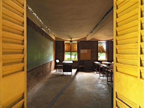 Kere 3 Scuola a Dano 2010 580x435 แง่คิด ความยั่งยืนด้านสถาปัตยกรรมของแอฟริกา Africa Calling by Francis Kere