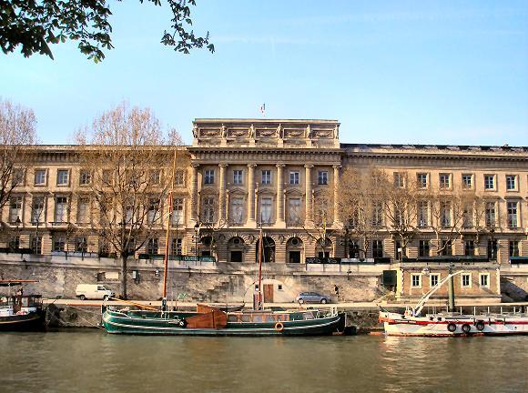 Hotel de la Monnaie โรงแรมแนวคิดศตวรรษที่ 21+อาคารแบบนีโอคลาสสิก 21 - ACTIVITY