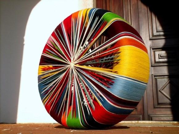 wool tyre by Joao Bruno Videira agua de prata 580x435 Joao Bruno Videira เทคนิคการถัก+ถอ+พัน = เฟอร์นิเจอร์ร่วมสมัย