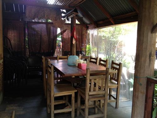 IMG 0178 resize Suk11 Hostel..บ้านชนบทใจกลางกรุงเทพ