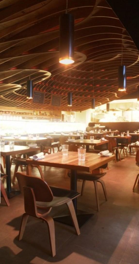 indigo deli..ร้านอาหารในบุมไบ ใช้การสร้างสรรค์บนฝ้าเพดานสร้างความแตกต่าง 16 - indigo deli