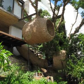 'weaver's nest' รังนกยักษ์ by Porky Hefer 24 - bird nest