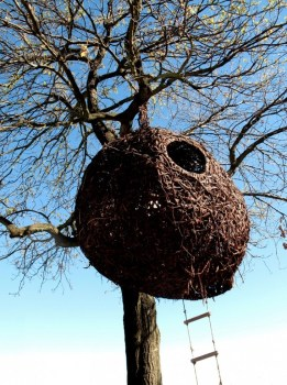 'weaver's nest' รังนกยักษ์ by Porky Hefer 17 - bird nest