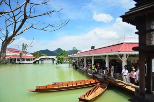 160 02 529x350 เที่ยวสนุกทุกวันหยุดได้ที่ ตลาดน้ำหัวหินสามพันนาม Floating market @Huahin