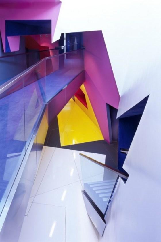 อาคารรูปทรงซิกแซก เส้นสาย และสีสัน...a feast for the senses 15 - centre for film and visual media