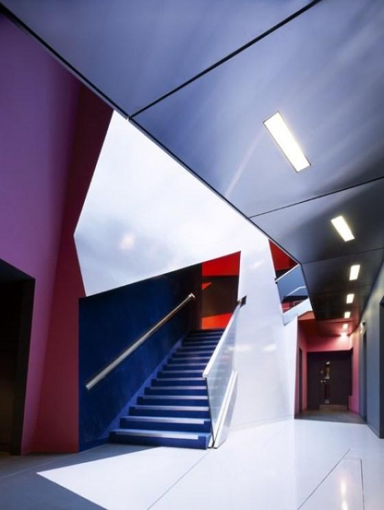 อาคารรูปทรงซิกแซก เส้นสาย และสีสัน...a feast for the senses 14 - centre for film and visual media