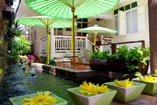 intro02 523x350 บ้านดินสอโรงแรมเล็กใจกลางพระนคร ภายใต้แนวคิดอนุรักษ์อาคารโบราณของไทย