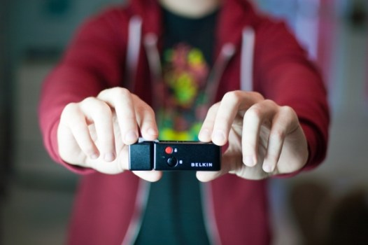 iphone remote 6859 600.0000001329436591 526x350 The iPhone Shutter Remote