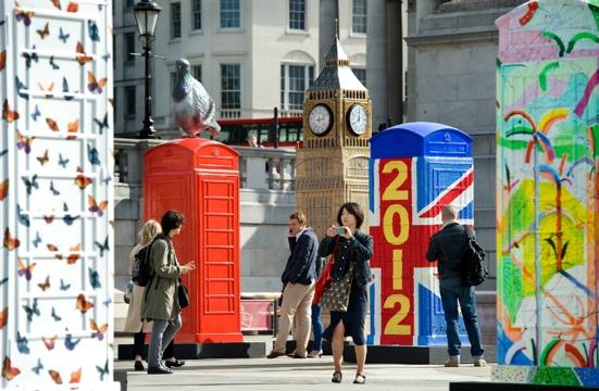 25550620 231039 นิทรรศการงานศิลปะกลางแจ้ง จากตู้โทรศัพท์สาธารณธะของอังกฤษ..นับถอยหลังโอลิมปิค