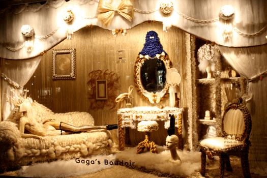 Holiday Windows with Lady Gaga Fantasy World เลดี้-กาก้า เจิดจร้า บนวินโดว์ดิสเพลย์ 23 - concert
