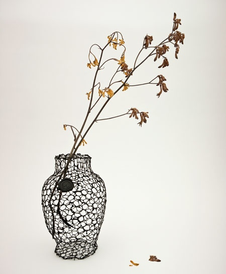 25550711 191814 A Vase for Dead Flowers..แจกัน เพื่อดอกไม้ที่แห้งเหี่ยวแล้ว