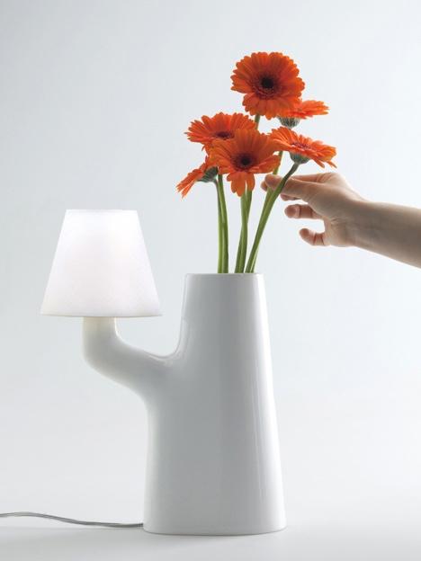 25550711 193658 แจกันโคมไฟ...ใช้การสัมผัสดอกไม้ เป็นสวิตช์เปิด ปิด