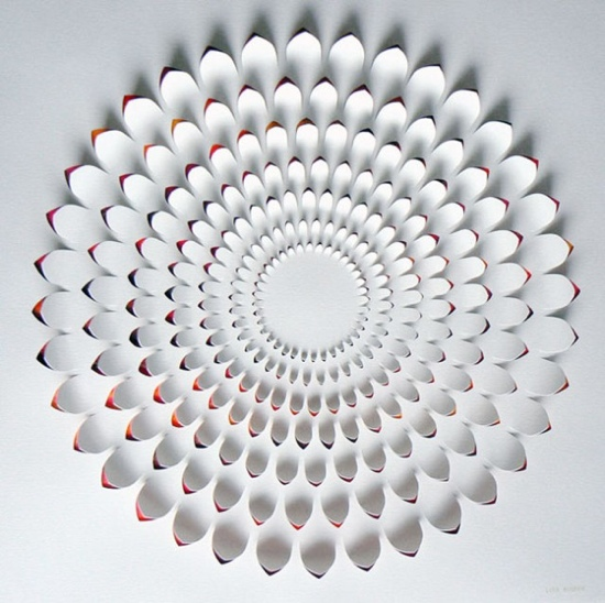 25550721 184005 งานศิลปจากการตัดกระดาษ โดย Lisa Rodden