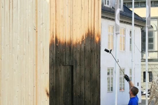 25550724 072521 บ้านหลบภัย สร้างจากไม้ที่ไม่ติดไฟ