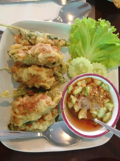 ชมสวน... 'อร่อยครบเครื่อง สไตล์ครัวบ้าน' ของพี่ปุ๊ อัญชลี  23 - ร้านอาหารไทย