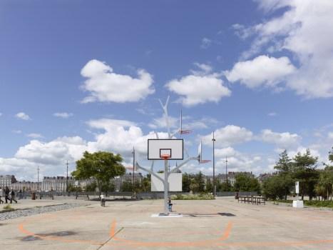 Basket tree in Nantes, France ห่วงบาสหลายระดับในหนึ่งเดียว 17 - basketball