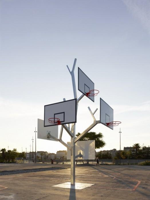 Basket tree in Nantes, France ห่วงบาสหลายระดับในหนึ่งเดียว 13 - basketball