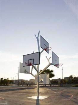 Basket tree in Nantes, France ห่วงบาสหลายระดับในหนึ่งเดียว 16 - basketball