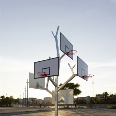Basket tree in Nantes, France ห่วงบาสหลายระดับในหนึ่งเดียว 19 - basketball