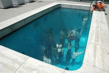 Fake Pool In Art Museum At Kanazawa สระว่ายนำ้นี้ไม่ธรรมดา!!