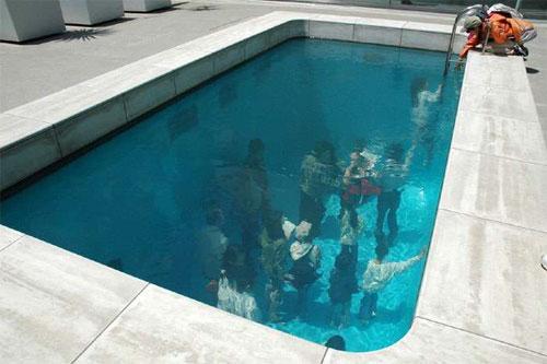 underwaterpool01 Fake Pool In Art Museum At Kanazawa สระว่ายนำ้นี้ไม่ธรรมดา!!