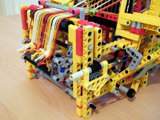 25550805 150500 เครื่องทอผ้าจาก Lego