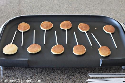 25550915 084939 D.I.Y. Pancake Pop...อมยิ้มแพนเค้ก