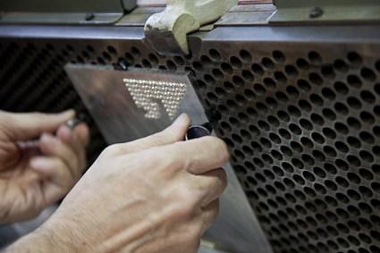 LV Origami PrintingProcess Low 0757 425x283 Louis Vuitton – Invitation Origami