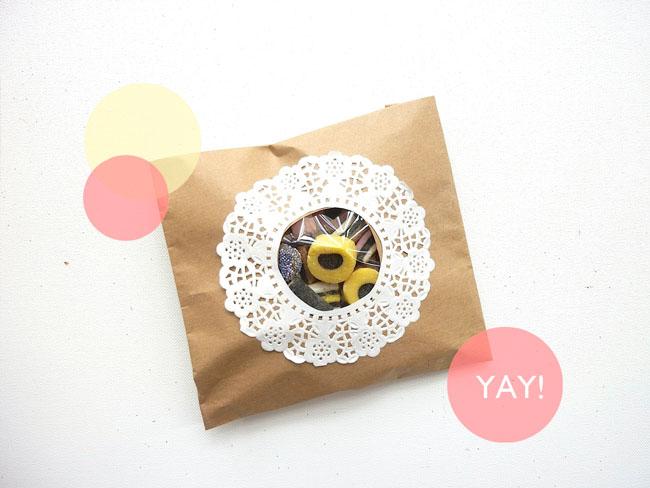 kraft version 650x488 DIY.gift bag ถุงของขวัญง่ายๆ เพียง 5 นาที ด้วยอุปกรณ์ในออฟฟิศ