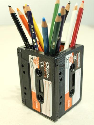 DIYที่ใส่ดินสอจากเทปคาสเซ็ตเก่า..แนว Retro ที่กำลังเทรนในยุคนี้ 13 - cassette-tape