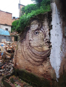 25551020 230452 The Distorted Street Faces of Andre Muniz Gonzaga