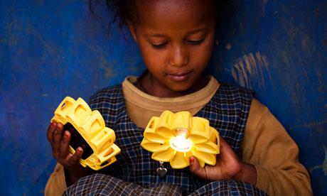 """เครื่องกำเนิดแสงขนาดพกพาช่วยเหลือชาวชนบท """"Little Sun"""" by Olafur Eliasson & Frederik Ottesen 20 - Lamp"""