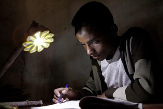 """เครื่องกำเนิดแสงขนาดพกพาช่วยเหลือชาวชนบท """"Little Sun"""" by Olafur Eliasson & Frederik Ottesen 19 - Lamp"""