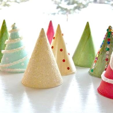 """DIY """"Christmas Tree"""" ต้นคริสต์มาส จากกรวยกระดาษใส่น้ำ 14 - christmas tree"""
