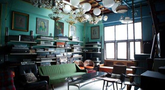 room directory 226 2 550x301 ย้อนเวลาหาของเก่า ที่ร้านเฟอร์นิเจอร์ PAPAYA