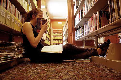 smell Smell of Books สร้าง กลิ่นหนังสือ เพิ่มอรรถรสในการอ่าน