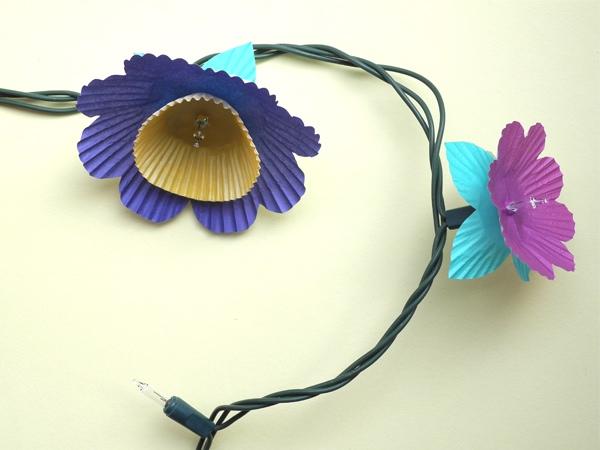 25551208 085526 DIY ไฟประดับ..ช่อดอกไม้จากถ้วยคัพเค้ก
