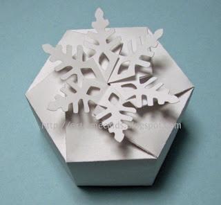DIY และเทมเพลท กล่องของขวัญ snowflake 13 -