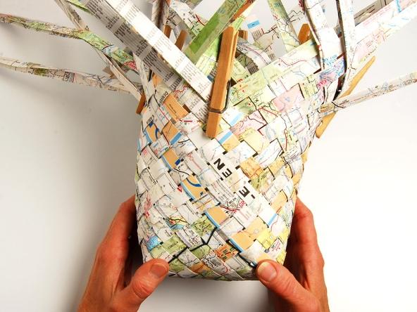 25551229 193457 เก็บแผนที่ กระดาษห่อของขวัญ มาสานตะกร้ากัน