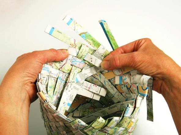 25551229 193608 เก็บแผนที่ กระดาษห่อของขวัญ มาสานตะกร้ากัน