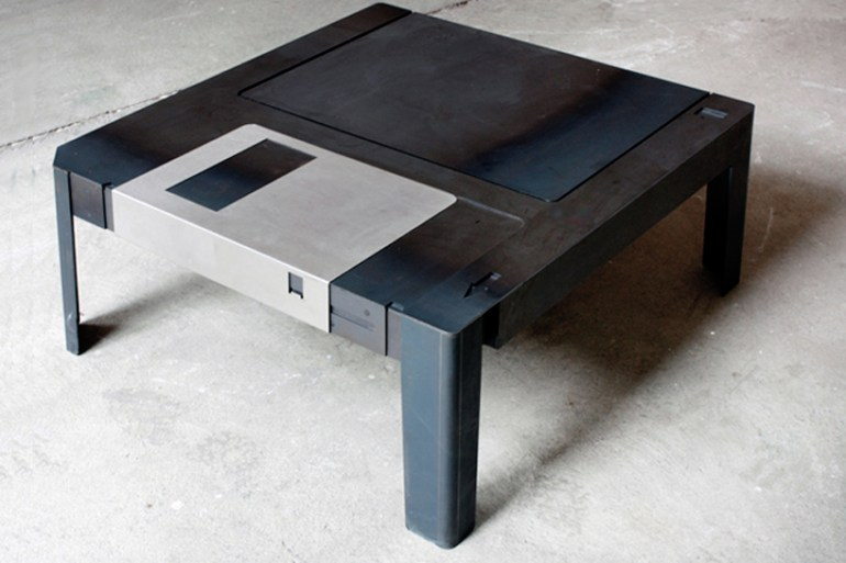 Floppy disk table  17 - storage