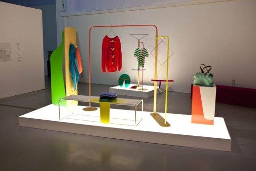 "Objet Coloré แนวคิดการออกแบบ ""ชั้นวางของสำหรับใช้ในร้านค้า ของแบรนด์  Bennetton"" 5 - display"